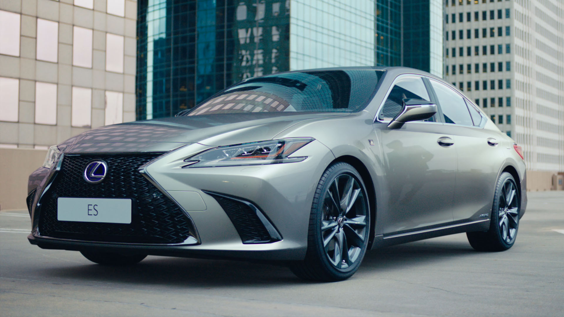 2019 lexus es video still