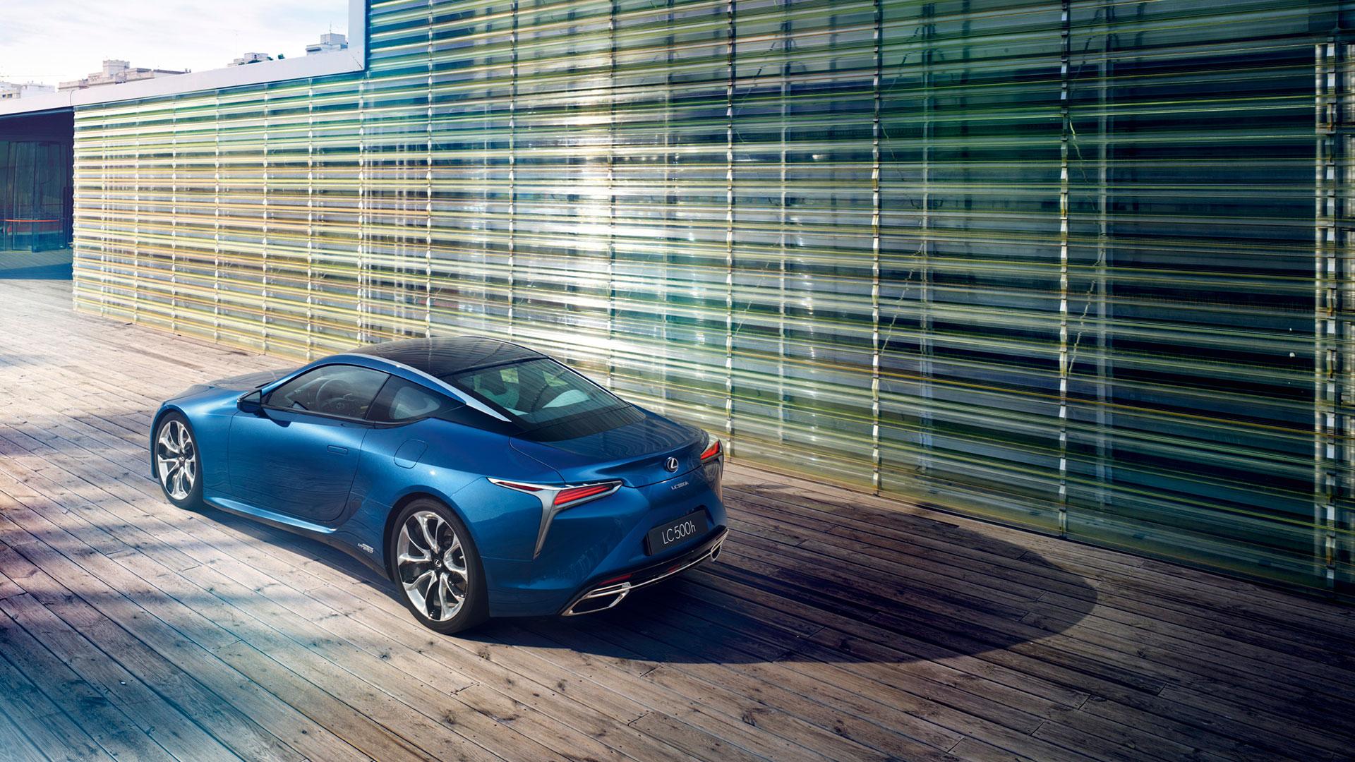 Lexus colaborará con el diseñador de moda Jørgen Simonsen hero asset