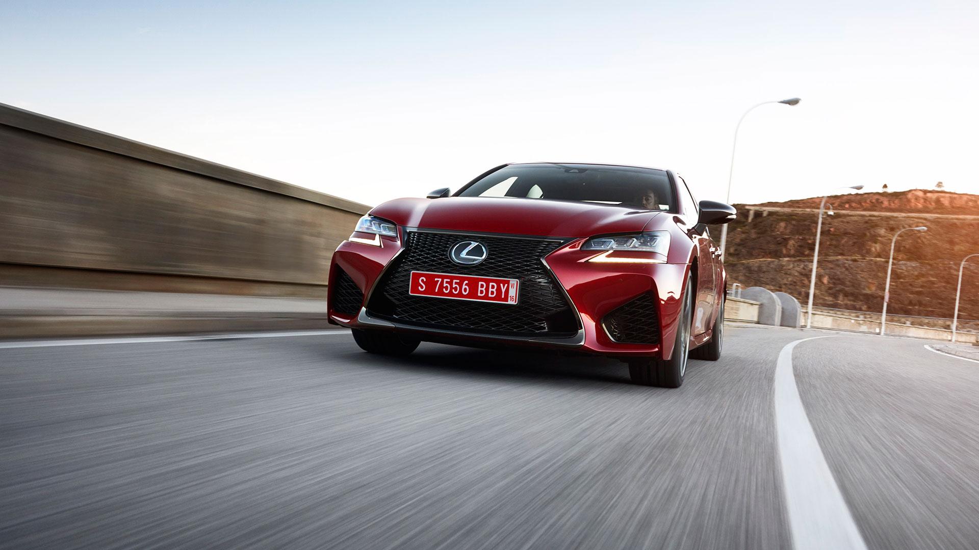 El Lexus GS F SPORT hero asset