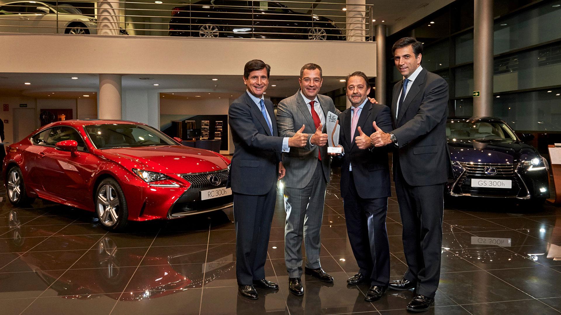 Lexus Castellón recibe el premio Kiwami 2015 hero asset