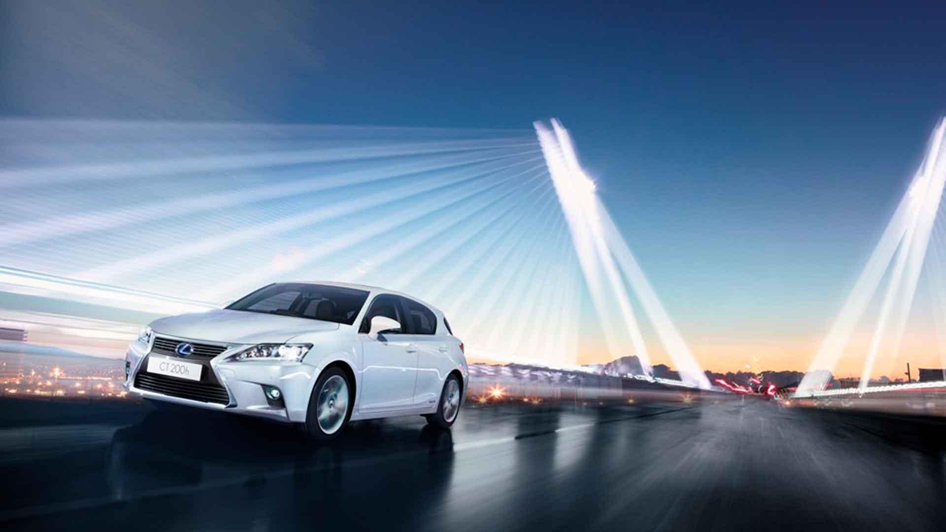 Lexus CT 200h su programa de accesorios hero asset