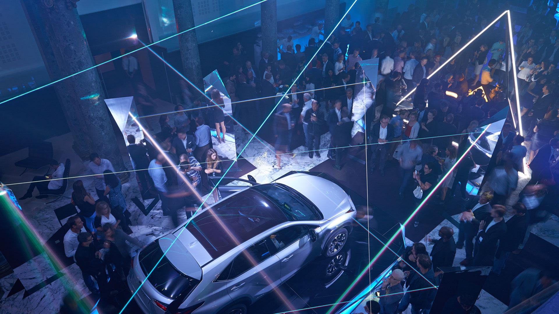 Lexus en el Salón del Automóvil de París 2014 hero asset