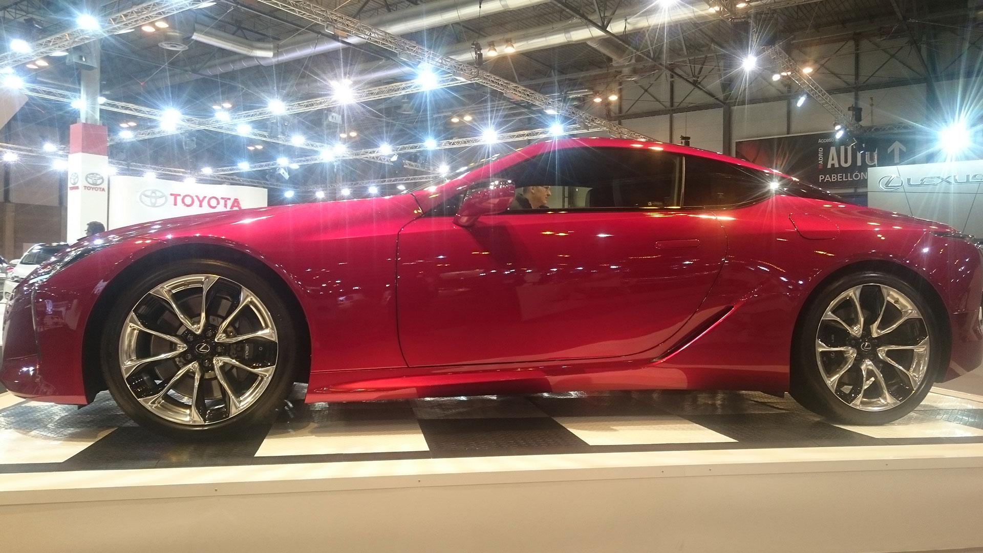 Lexus presenta el nuevo LC 500 hero asset