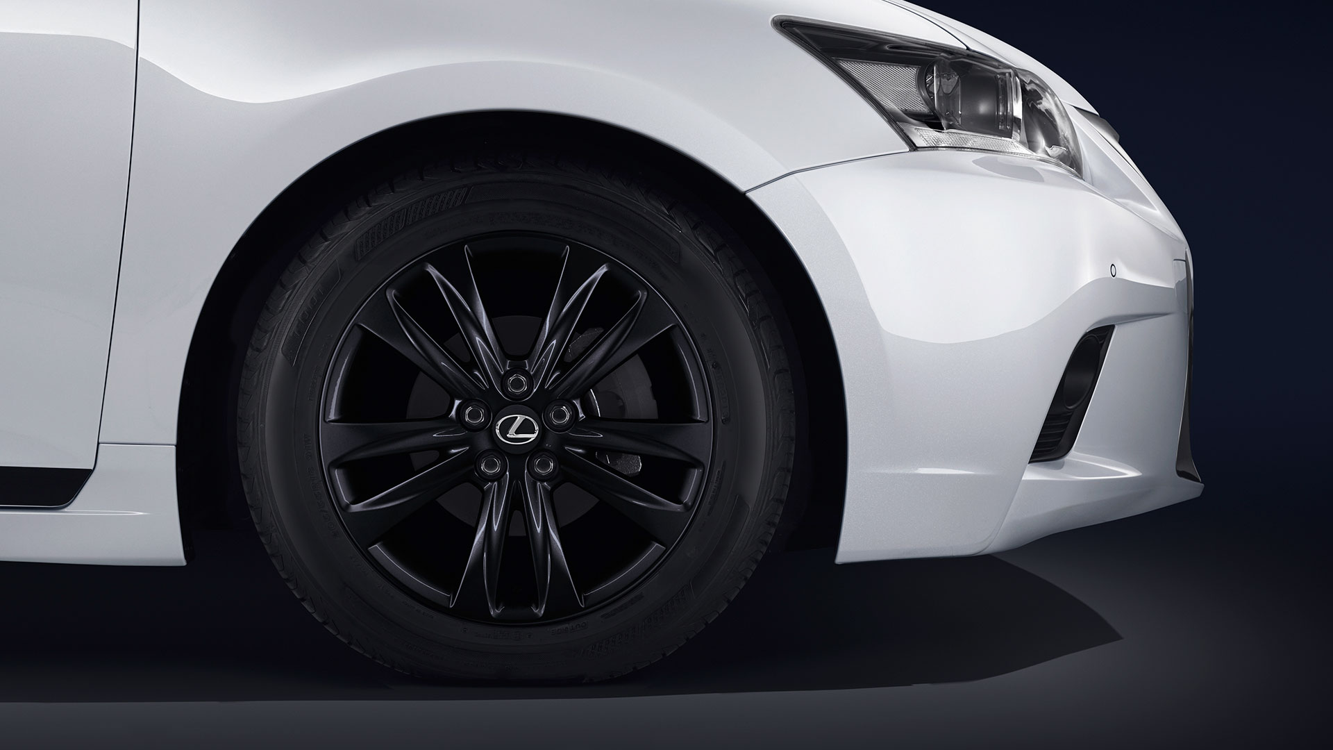 Lexus alcanza los 100 000 vehículos hero asset