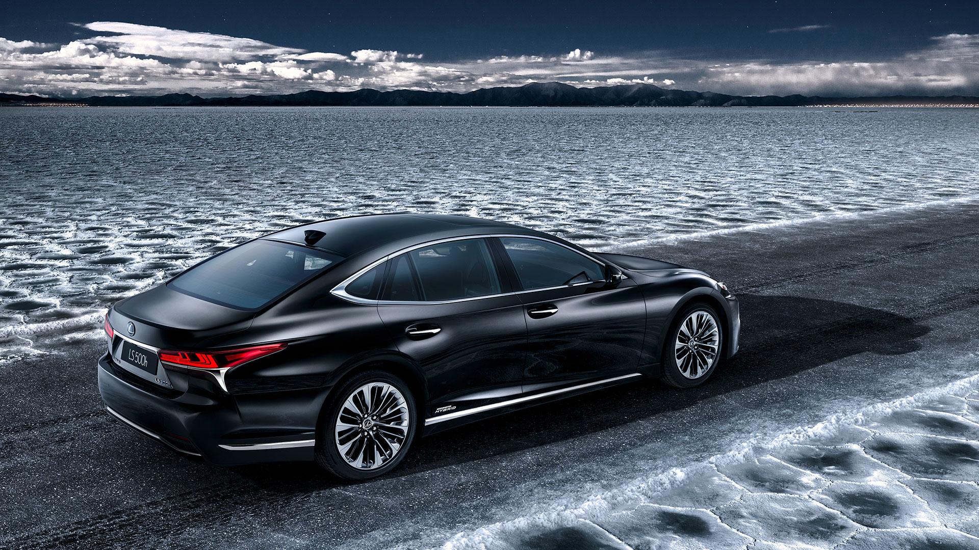 nuevo LS 500h en el Salón del Motor de Ginebra 2017 hero asset
