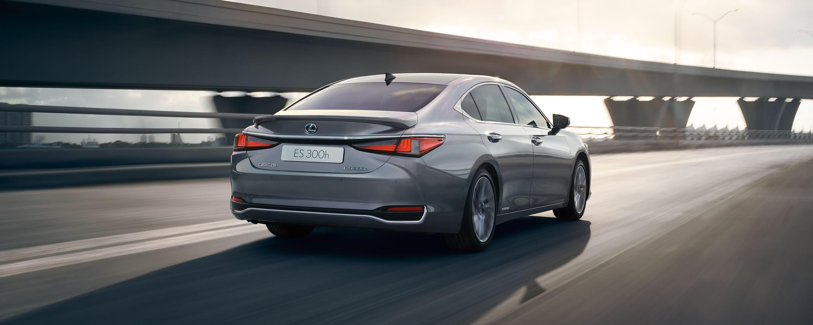 2019 Lexus Es Hybrid Experience Hero Exterior Back