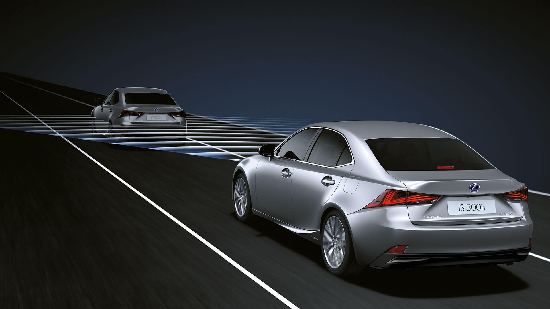 2017 lexus is 300h features cruise control