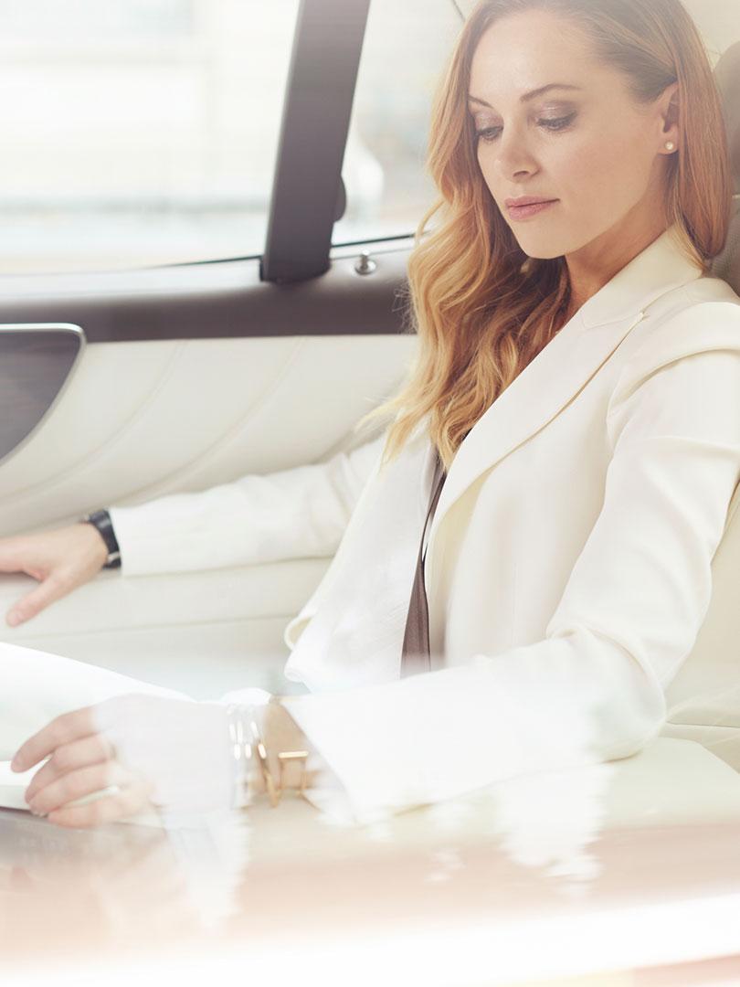 2017 lexus hybrid for business portrait reduce emissions