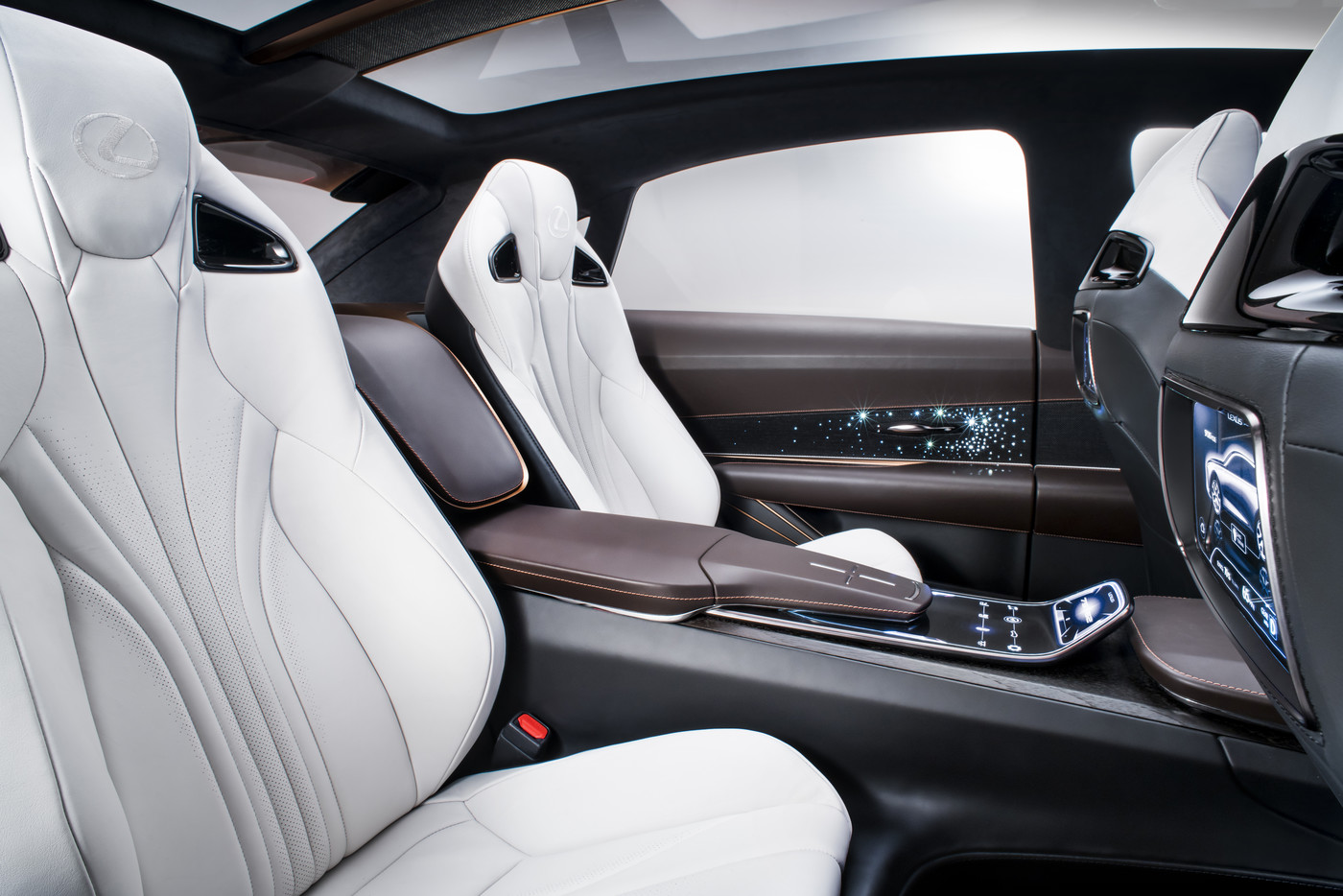 Lexus LF 1 Limitless studio 02