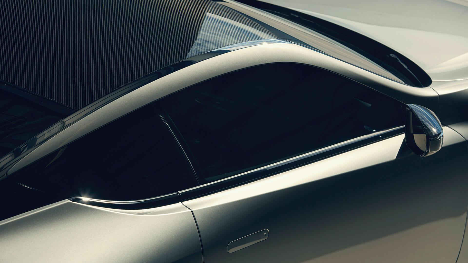 2017 lexus lc 500h features carbon fibre roof