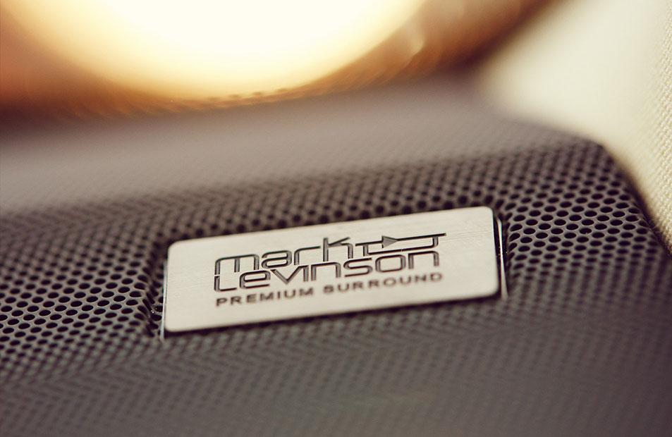 S3 3 Dettaglio impianto mark levinson con logo image