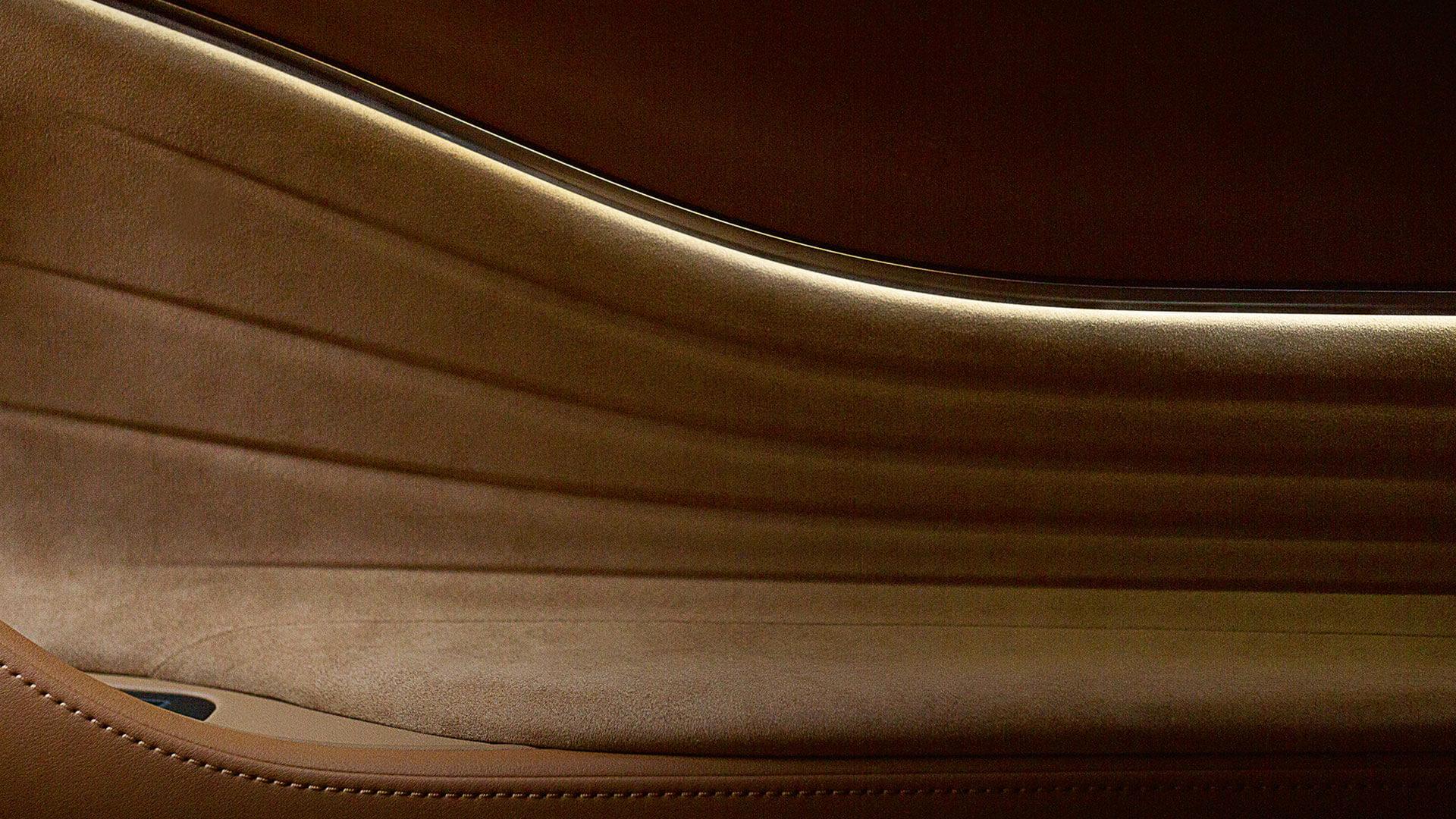 Portier van een Lexus LC 500h