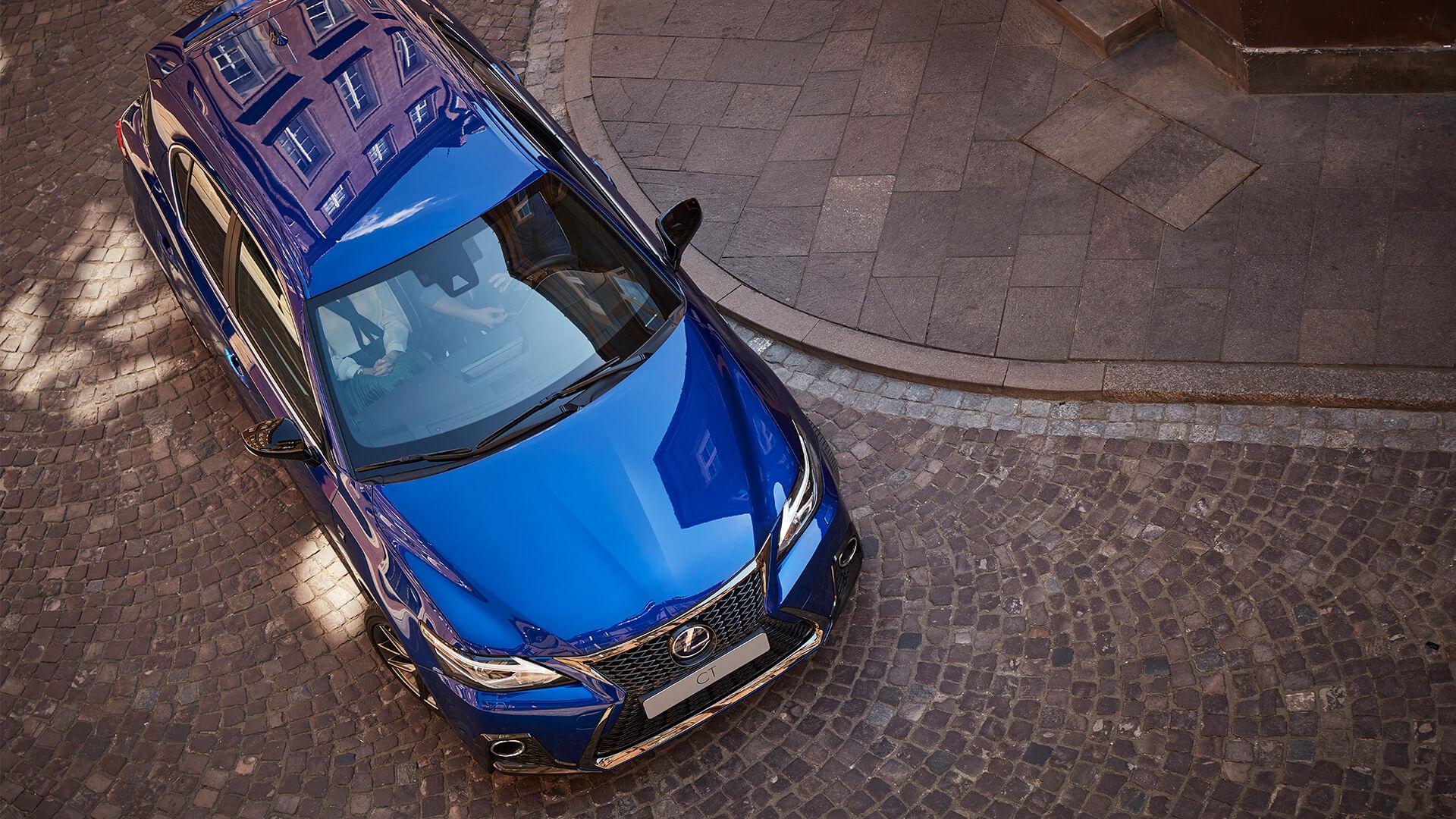 Bovenkant blauwe Lexus CT 200h