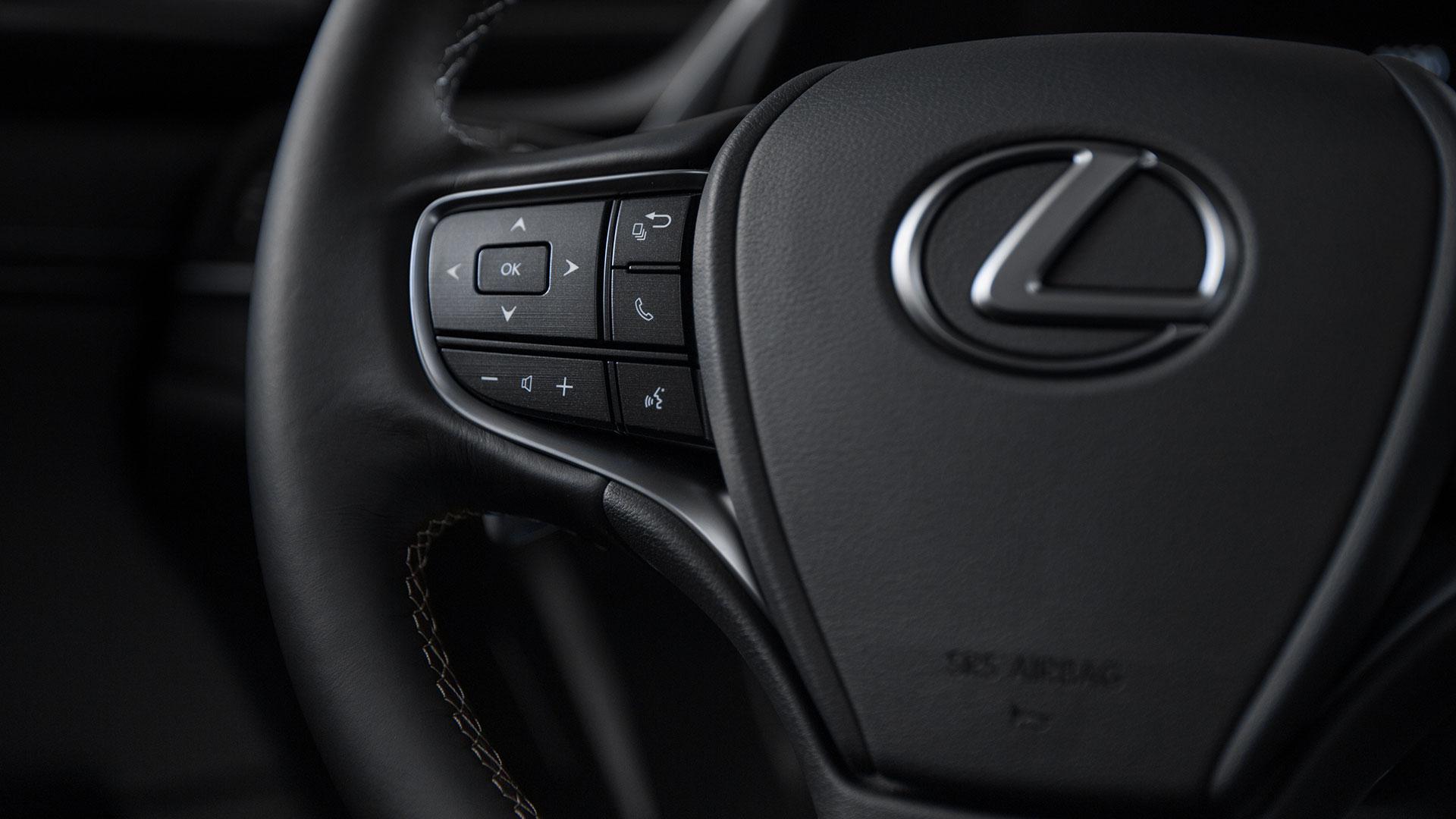 Lexus ES stuurwielbediening