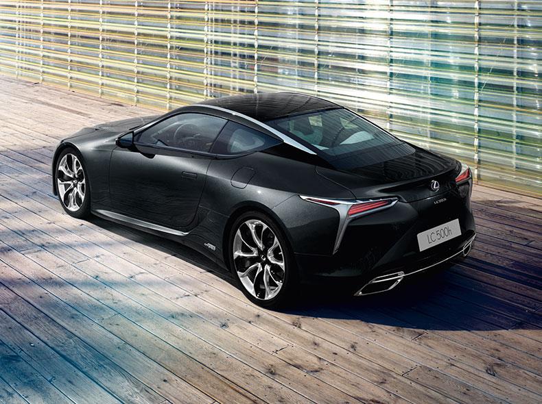 2017 Lexus LC 500h Design Gallery 002
