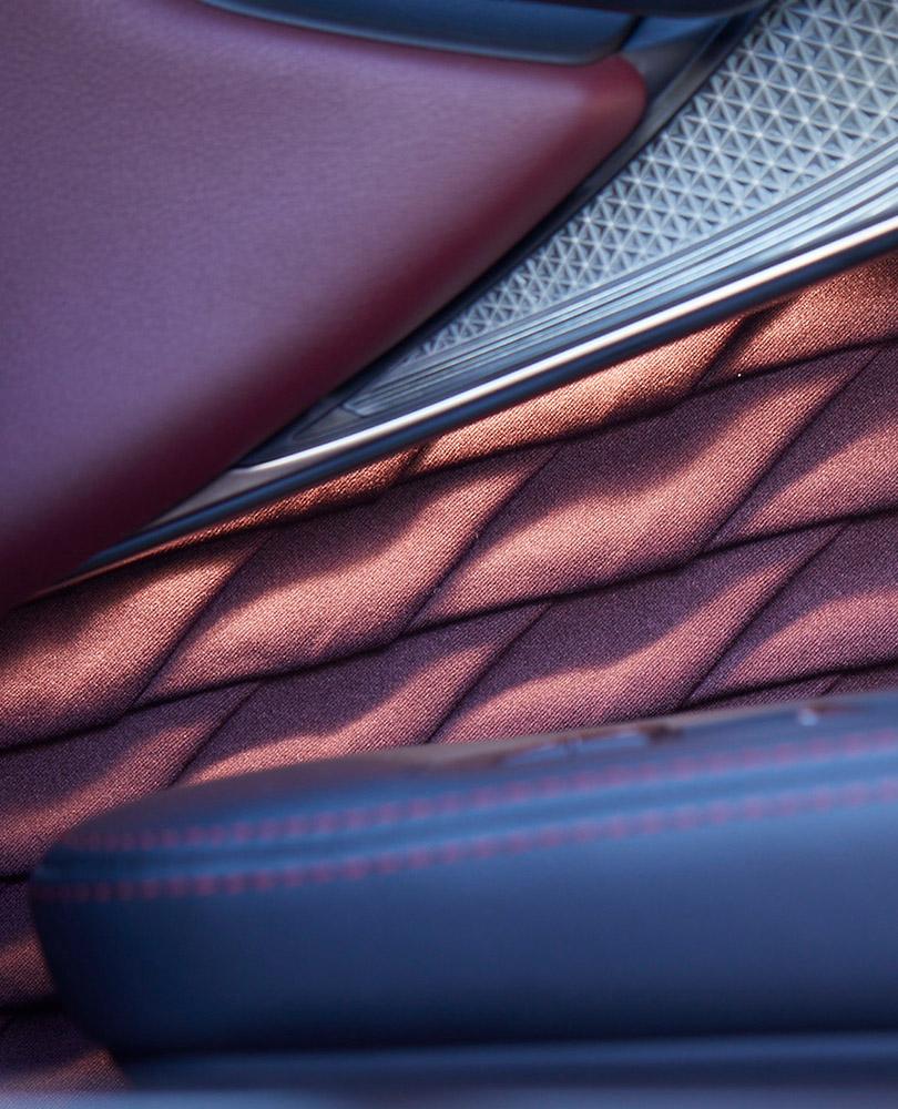 Utsnitt av Lexus interiøret skapt av Takumier den aller beste og mest erfarne håndverker