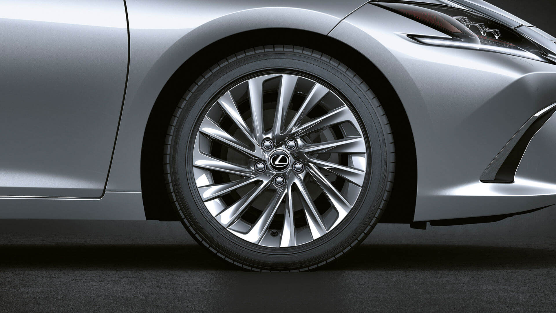 2019 lexus es hybrid experience feature noise reducing wheels