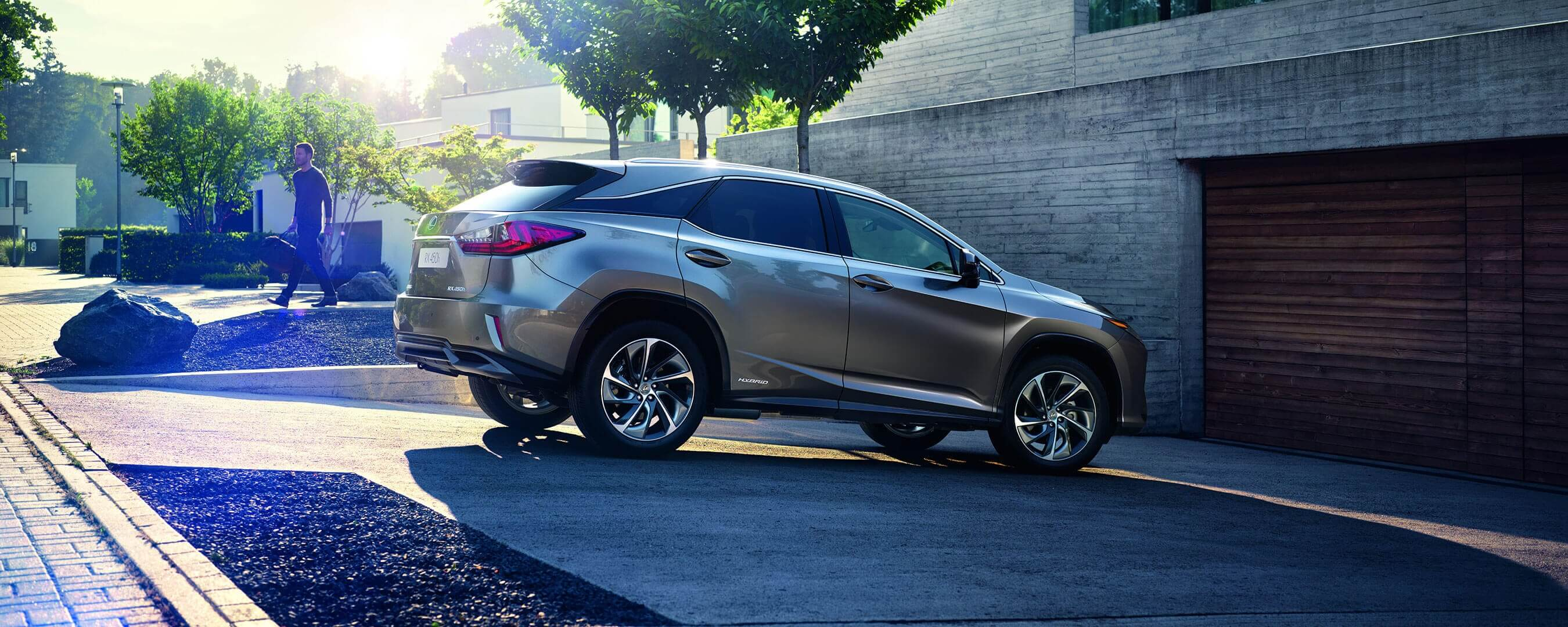 2017 lexus rx 450h experience exterior back